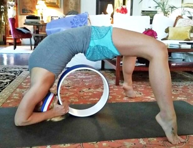 Resultado de imagem para britney yoga