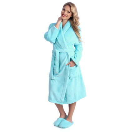 Ultrasoft-Plush-Bath-Robe-and-Slipper-Set-22450bf5-c898-49f6-a3cd-7f5d9a085606_600
