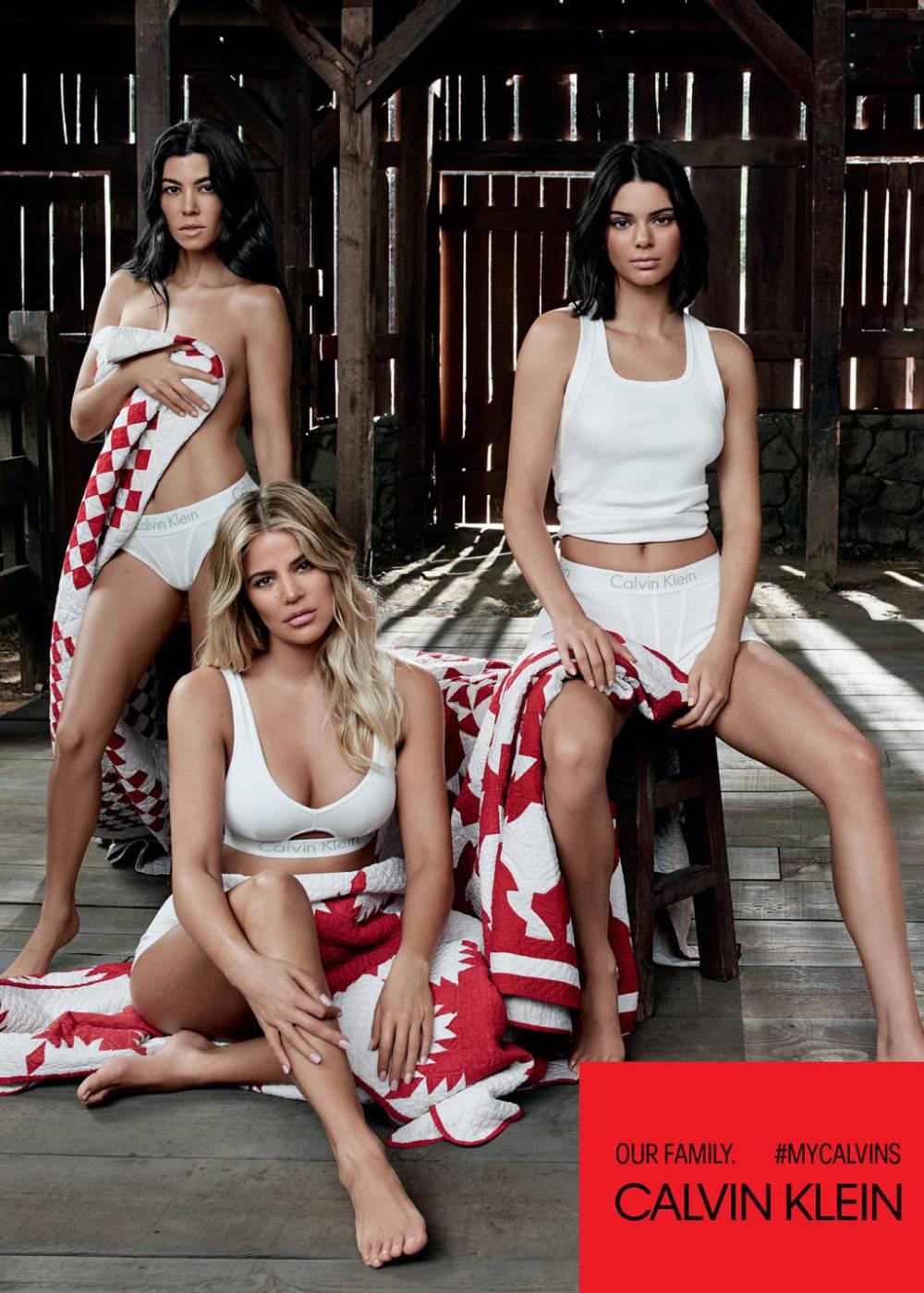 rs_1024x1434-180121143123-1024.Calvin-Klein-Underwear-Kardashian-Sisters