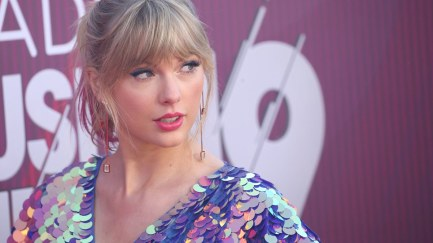 taylor-swift-red-carpet-lede.jpg